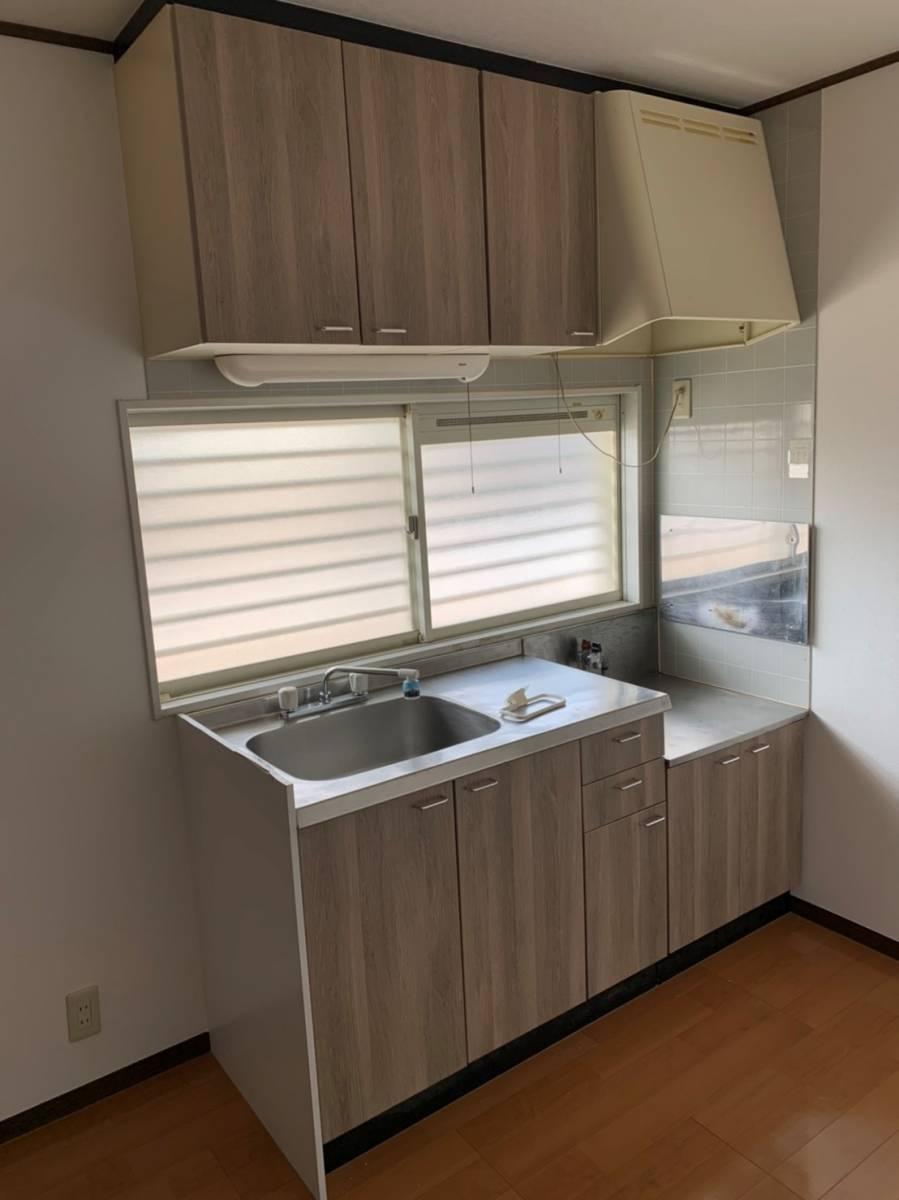 e-cubeホームテクノ 川越支店の古くなったキッチンの扉もリニューアルの施工後の写真1