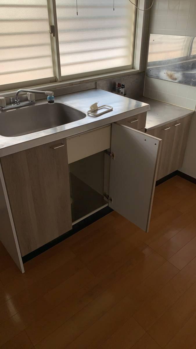 e-cubeホームテクノ 川越支店の古くなったキッチンの扉もリニューアルの施工後の写真3