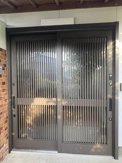 小林エコ建材の古くなった玄関引戸をリフォームしたいの施工後の写真1