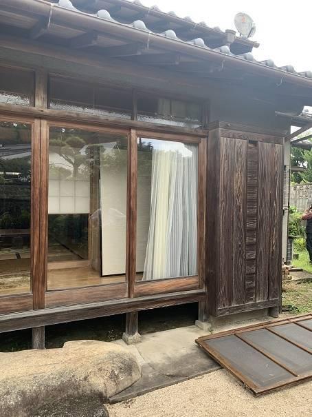 小林エコ建材の古くなった木製雨戸、取り替えられますか?の施工前の写真2