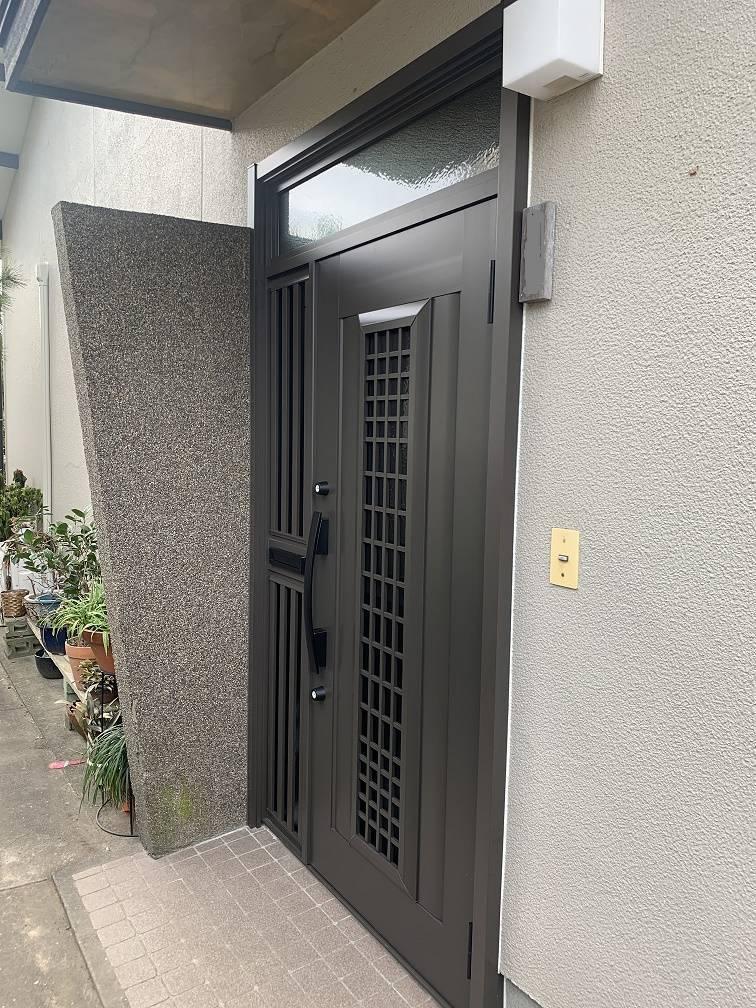 小林エコ建材の古くなった玄関ドア変えられますか?の施工後の写真2