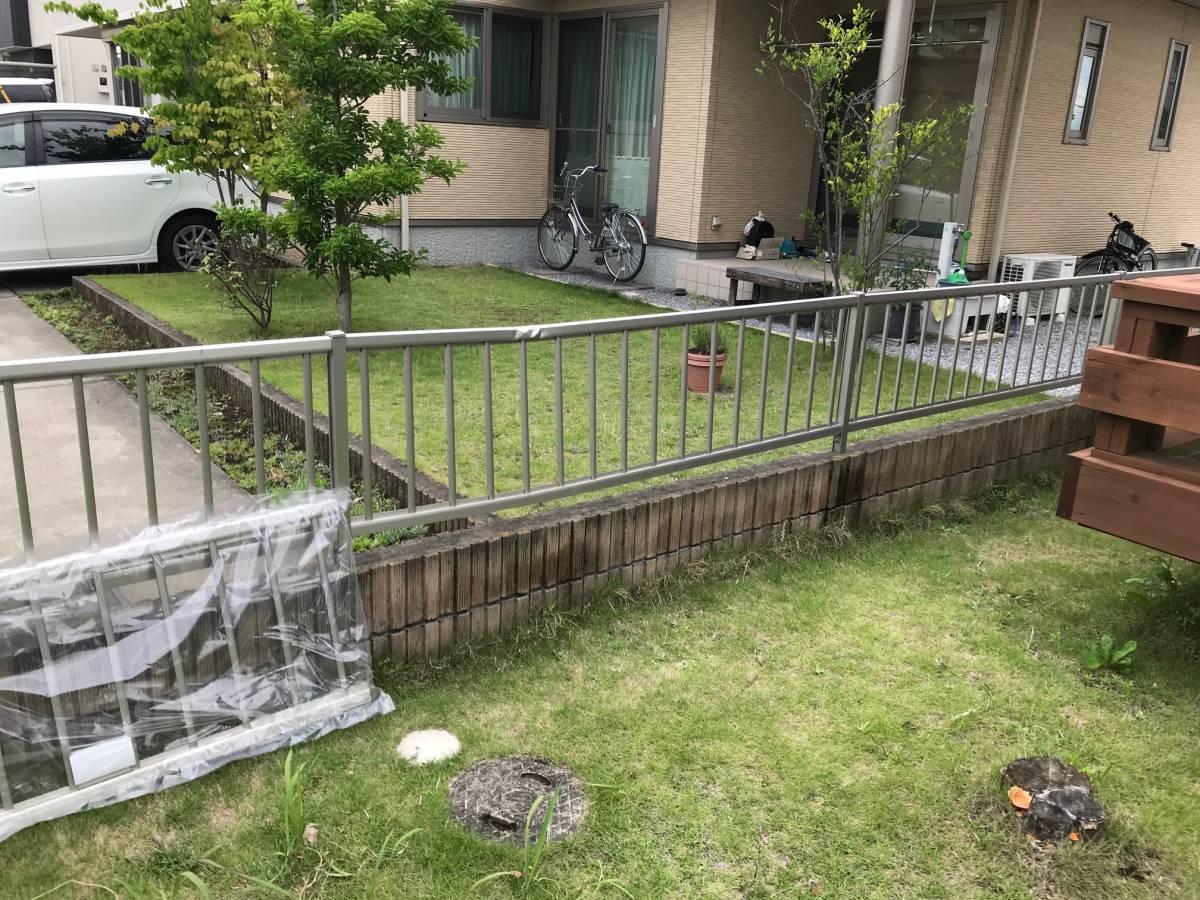 まどありー。のフェンス交換の施工前の写真1