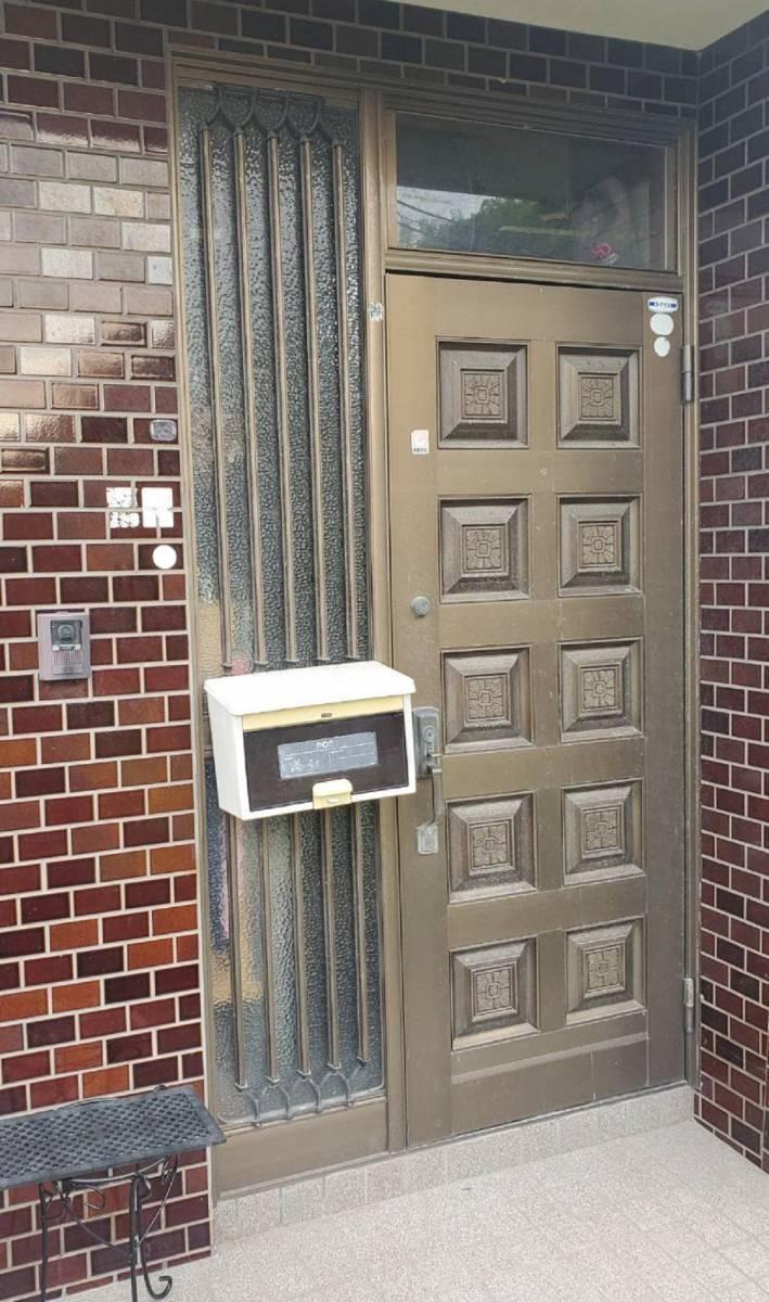 ツカサトーヨー住器の☆リシェント玄関ドア工事☆の施工前の写真1