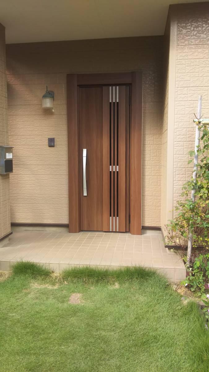 茨城県北トーヨー住器のリシェント玄関ドア ~茨城町~の施工後の写真1