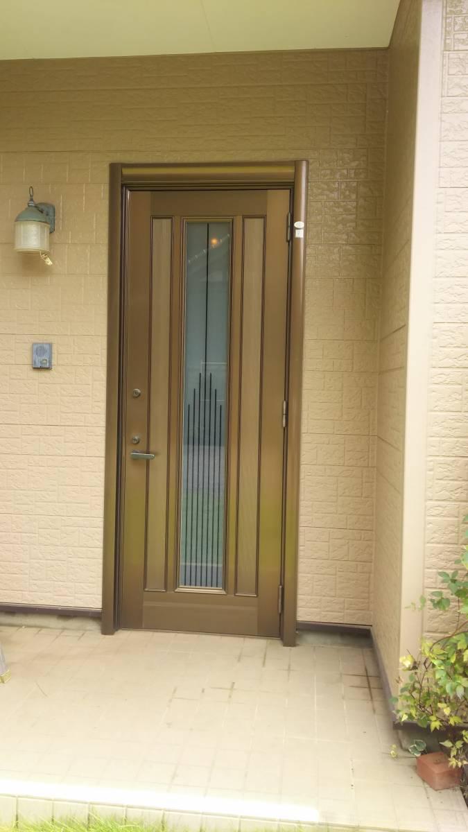 茨城県北トーヨー住器のリシェント玄関ドア ~茨城町~の施工前の写真1