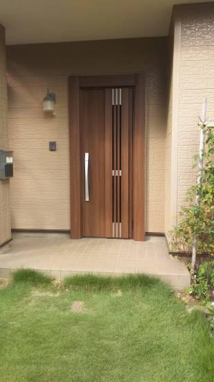茨城県北トーヨー住器のリシェント玄関ドア ~茨城町~施工事例写真1