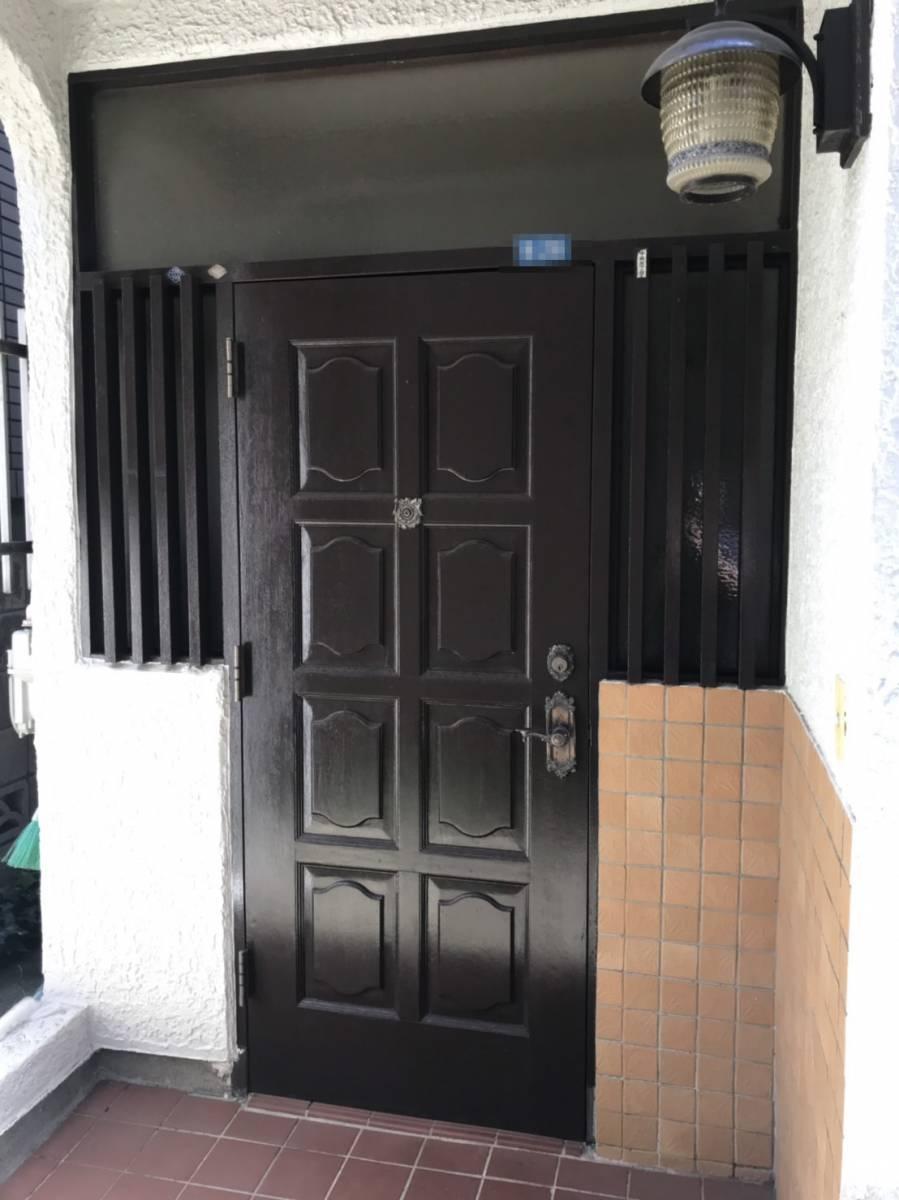海老名トーヨー住器の築40年、玄関リフォームで断熱効果UP!の施工前の写真1