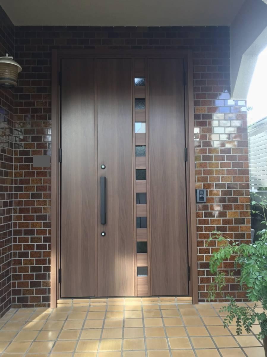 海老名トーヨー住器の築40年のランマ付き玄関がリフォームで生まれ変わりました!の施工後の写真2