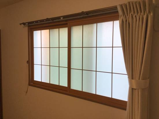 スルガリックス 静岡店の内窓を三か所取り付けました。施工事例写真1