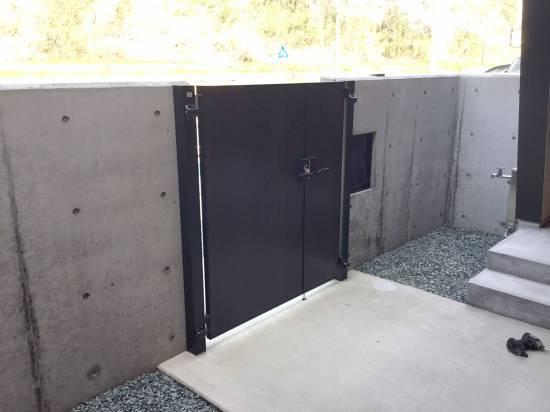 スルガリックス 静岡店の門扉を設置いたしました。施工事例写真1