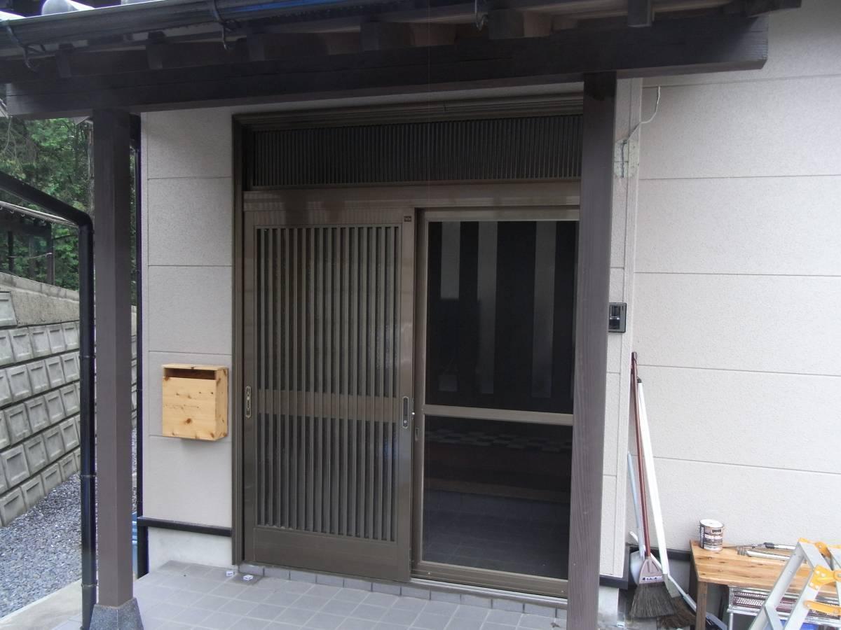 大和アルミトーヨー住器の玄関をリニューアルの施工前の写真1