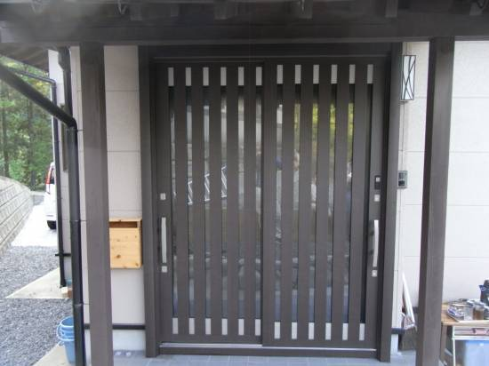 大和アルミトーヨー住器の玄関をリニューアル施工事例写真1