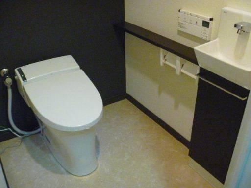 阪神北トーヨー住器のトイレ取替施工例の施工後の写真1