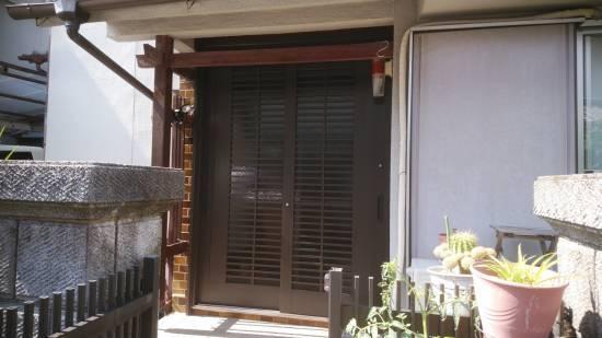 村島硝子商事のリクシル1Dayリフォーム リシェント玄関引き戸施工事例写真1