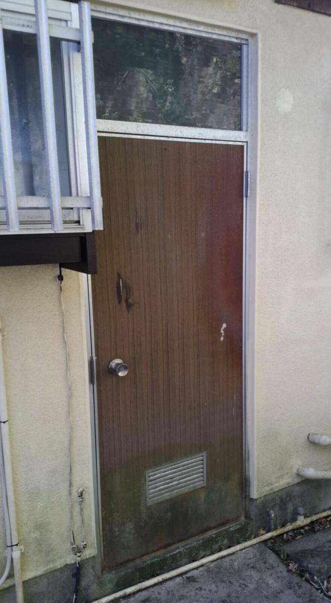大成トーヨー住器のドア本体交換の施工前の写真1