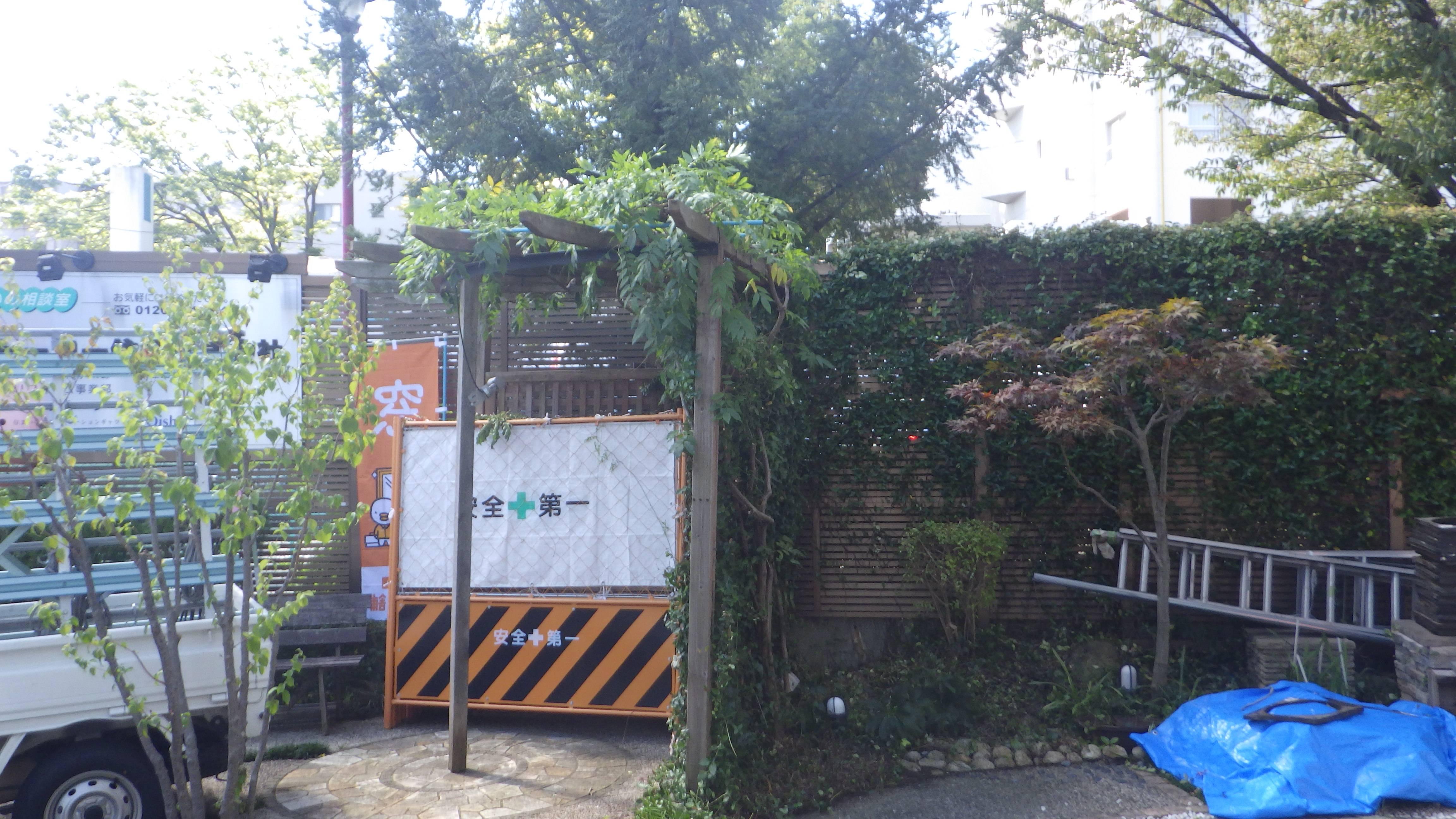 店舗前の植栽がきれいになりました! 北摂トーヨー住器の現場ブログ 写真4