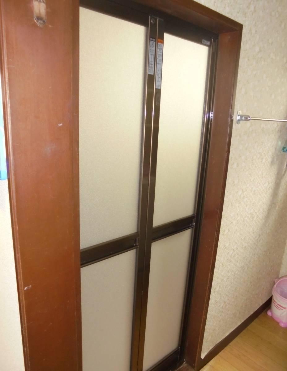 北摂トーヨー住器のお風呂ドアの交換リフォームの施工後の写真1