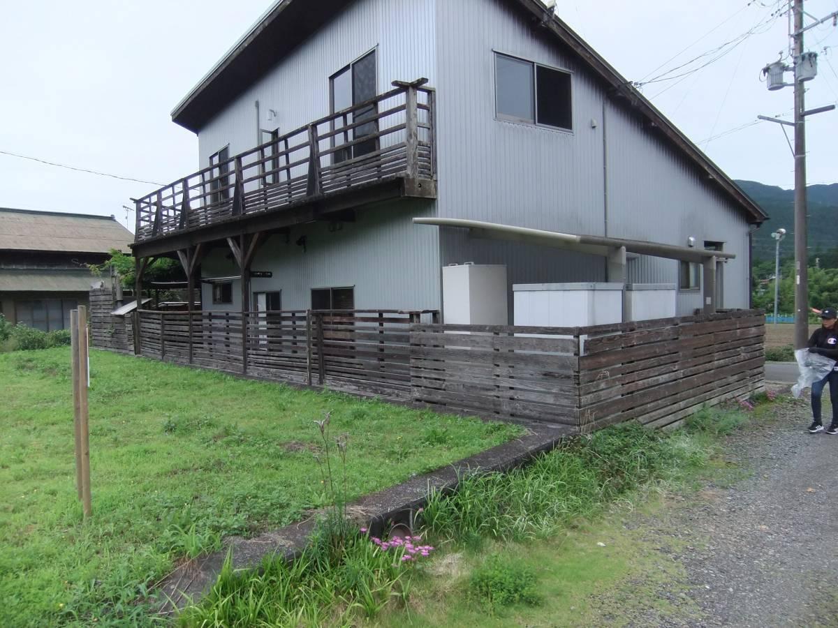 松井トーヨー住建のフェンス・ベランダの撤去と取付の施工前の写真1
