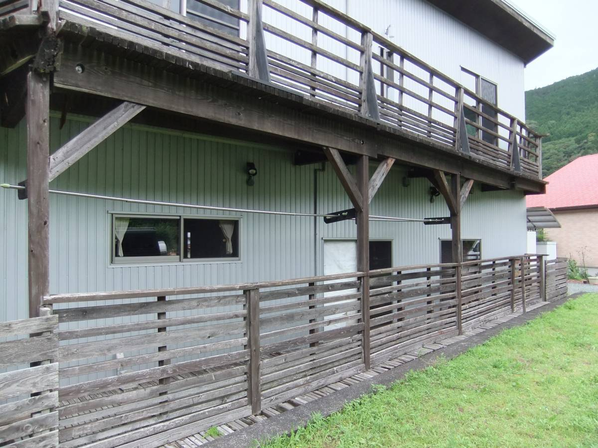 松井トーヨー住建のフェンス・ベランダの撤去と取付の施工前の写真3