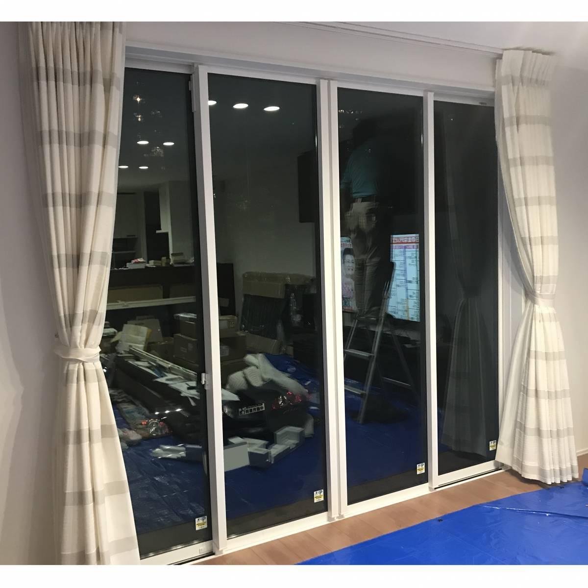 窓工房テラムラのリビングの大きな窓の近くが寒いのでなんとかしたいの施工前の写真1