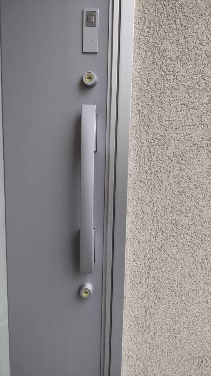 鳴和トーヨー住器のK様邸の【玄関ドアシリンダー】交換完了しました。の施工前の写真1