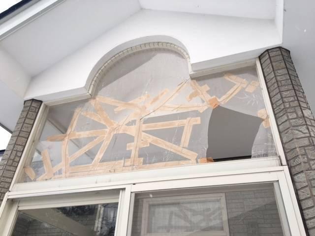 ヒロトーヨー住器の雪害でやられました…直せますか?の施工前の写真1