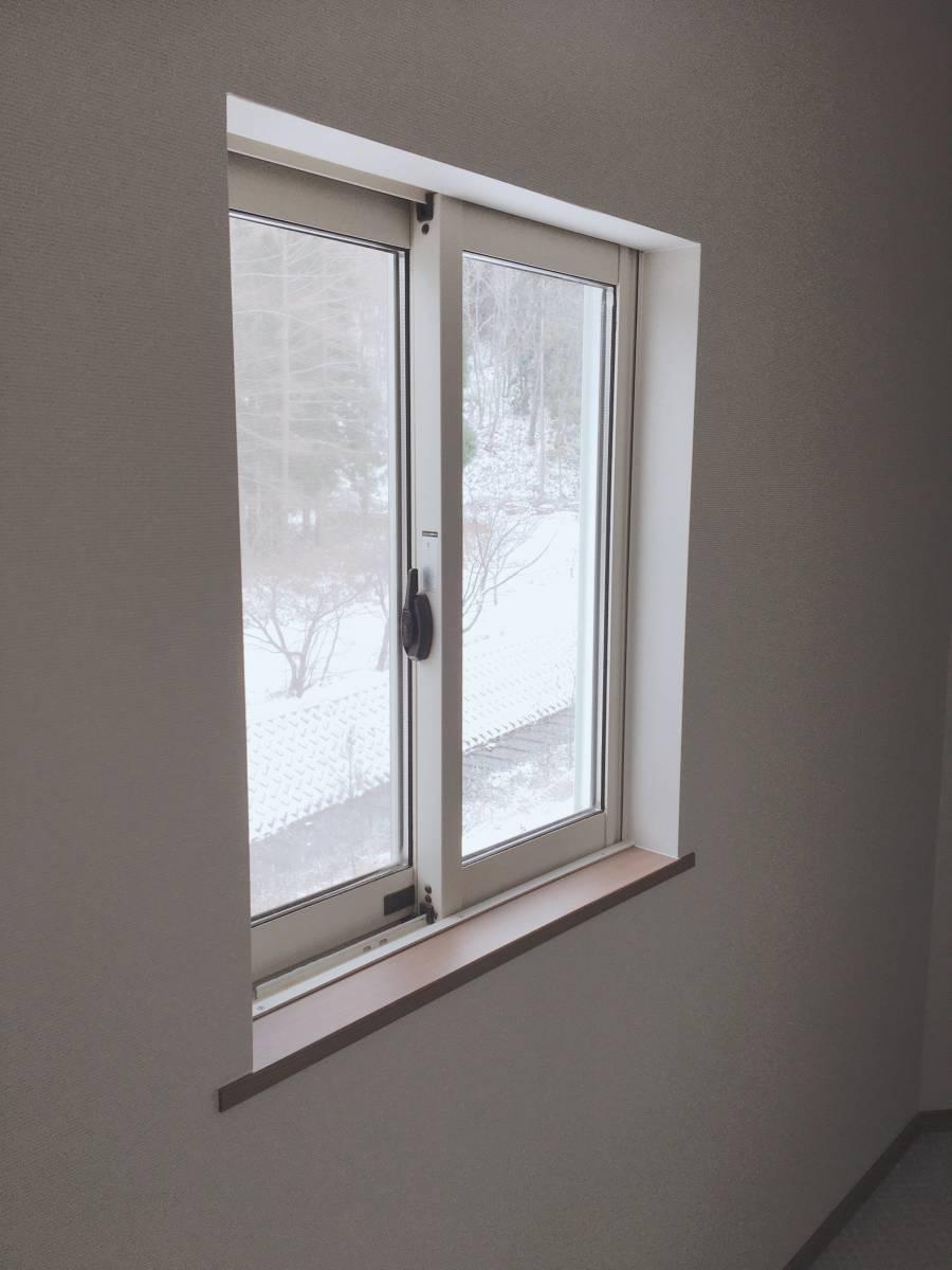 ヒロトーヨー住器のインプラス(内窓)施工例の施工前の写真2