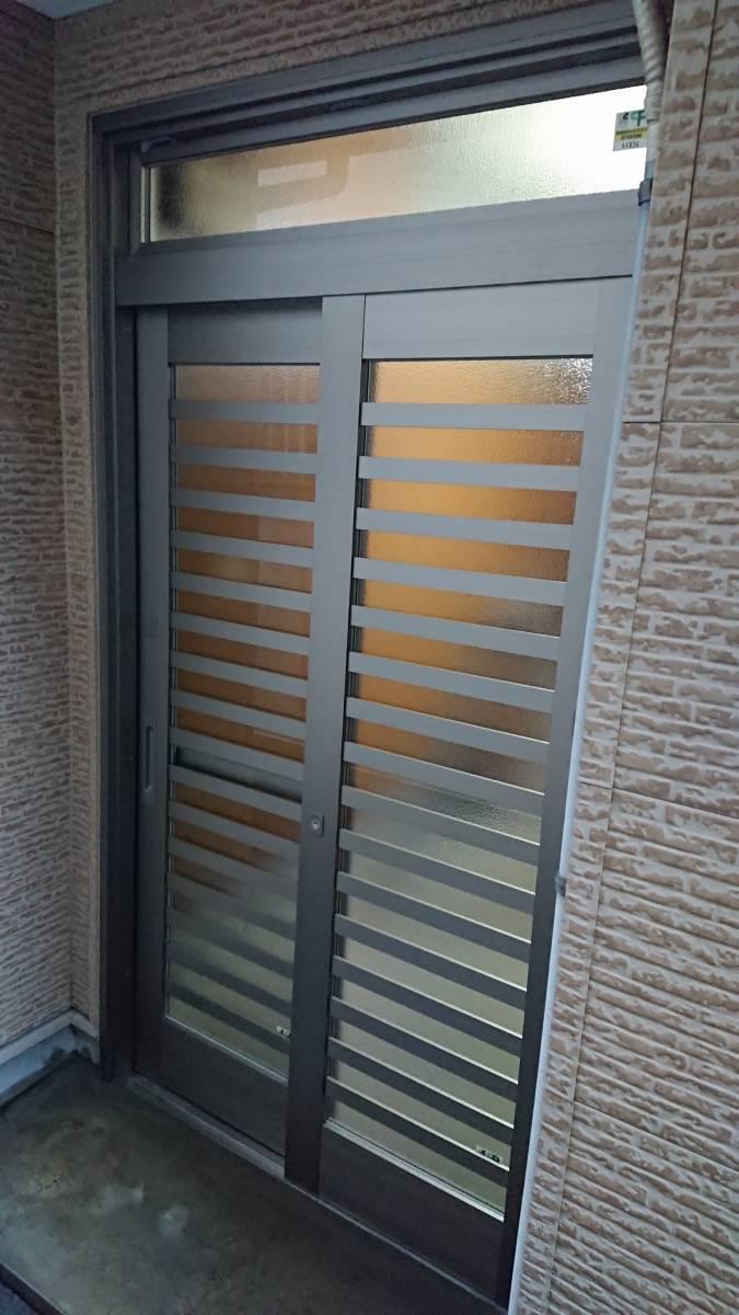 大東トーヨー住器の玄関引戸取替工事の施工後の写真1