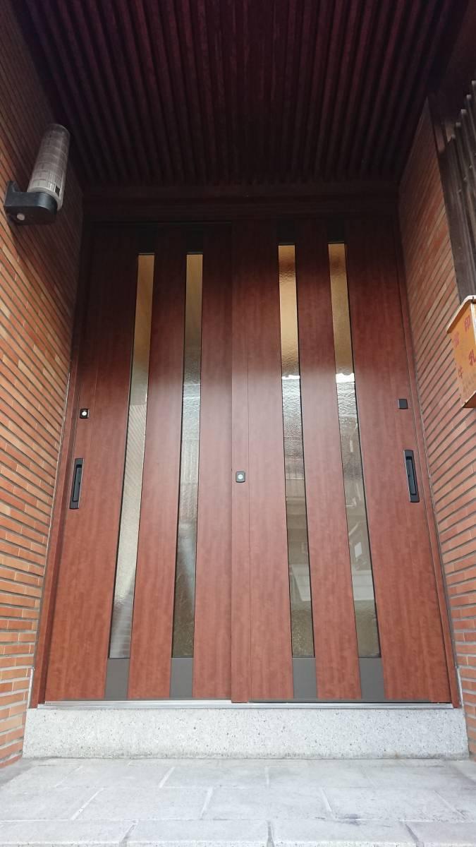 大東トーヨー住器の玄関引戸(リシェント)工事の施工後の写真1