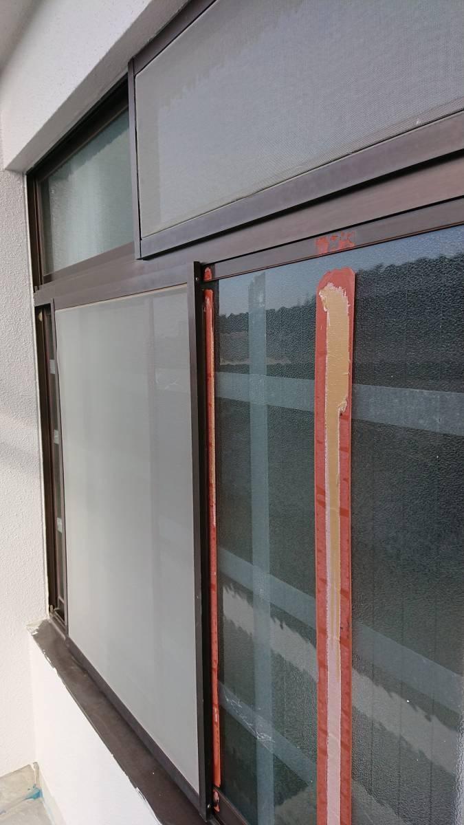 大東トーヨー住器のリフォームシャッター取付工事の施工前の写真1