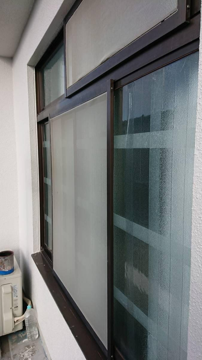 大東トーヨー住器のリフォームシャッター取付工事の施工前の写真2
